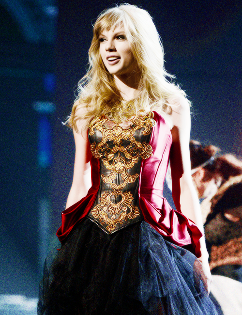 alison, red, swift and taylor