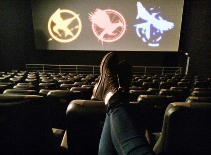 book, catching fire, cinema and hunger games