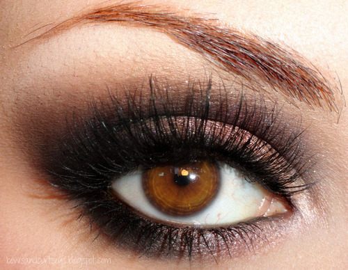 blue eyes, bold, brown eyes, dark, eye makeup, eyeshadow, girly, green eyes, mascara, pretty, shimmer, smokey eye, tumblr