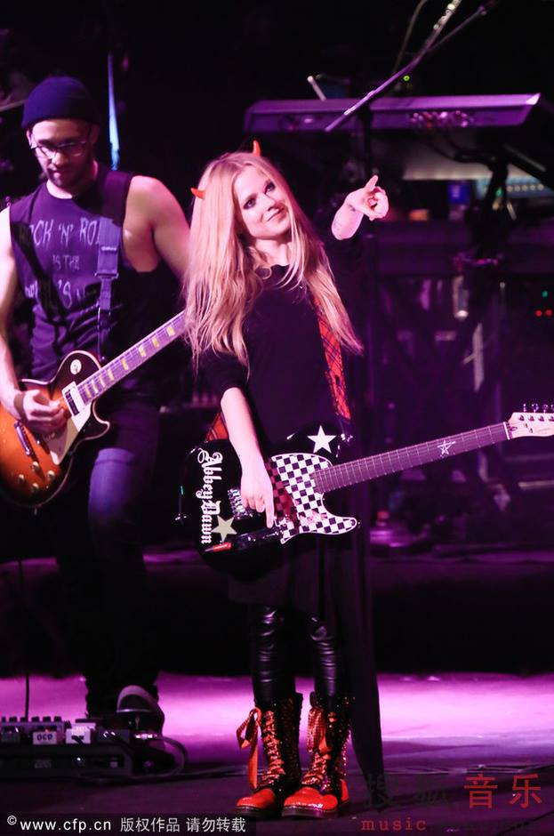 avril lavigne, boots, clothes, cute, grunge, guitar, horns, night, pink, punk, rock, rock n roll, rock on, show, style, nightm grunge