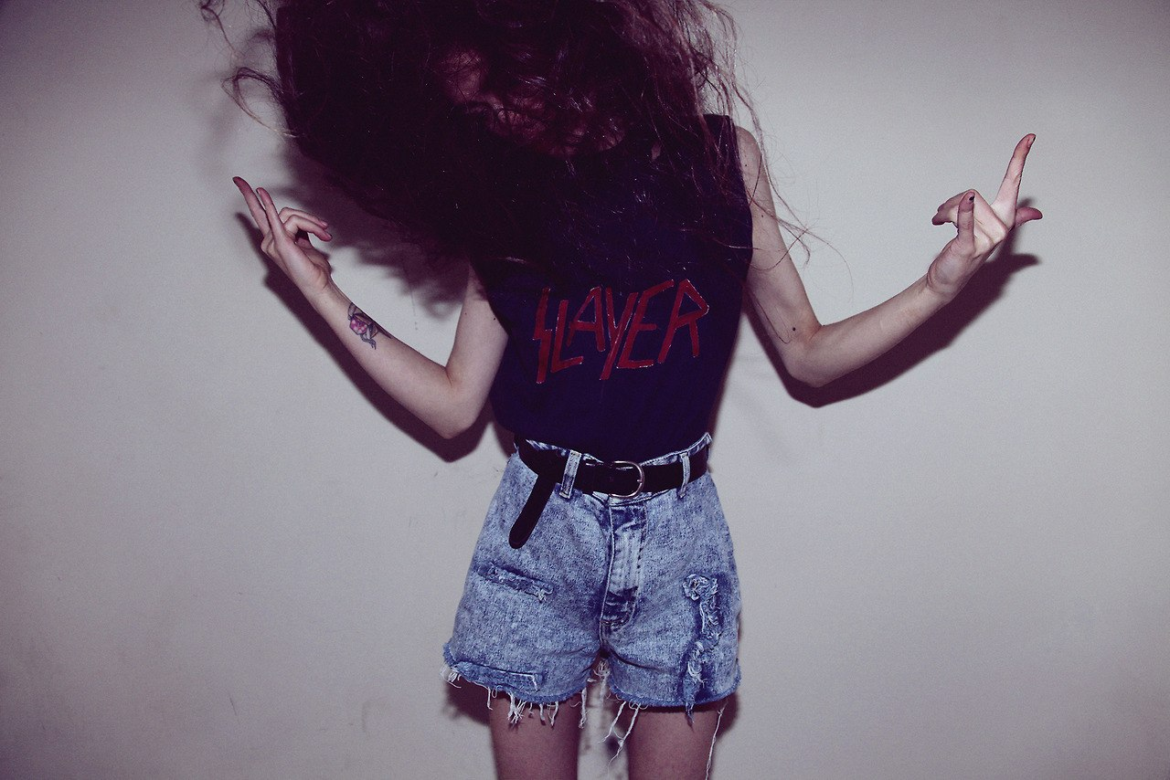 alternative, arms, brunette, denim short, girl, grunge, hair, horns, indie, legs, mess, pale, slayer, soft grunge, violet e