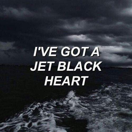 Jet black heart - image #3798176 by helena888 on Favim com
