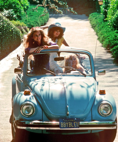 beatle, best friends, bettle, blue, car, crazy, friend, friends, girl, girls