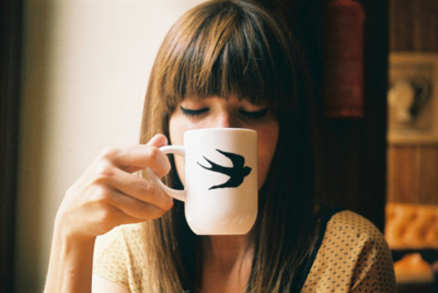 bird, brunette, cup, fly, fly away, girl, hair, photography