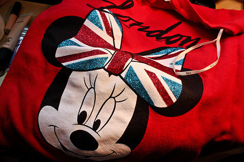 bow, british, minnie, red