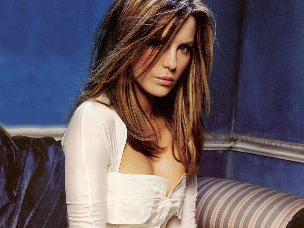 Hollywood Celebrities: Kate Beckinsale Wallpapers