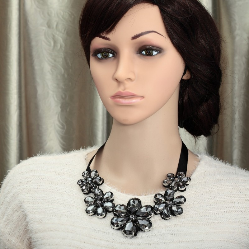 crystal flower bib necklace, crystal flower necklaces, fashion and flower