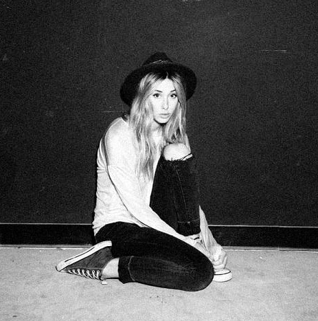 90210, actric, actrice, blonde, bw, cool, gillian zinser, hat, hot, photography, photoshoot, style