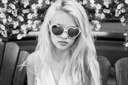 amazing, black and white, blonde, california, city, cool, fashion, flowers, girl, glasses, hippe, hipster, make up, nature, nice, photo, photography, style, summer, woman, wonderful
