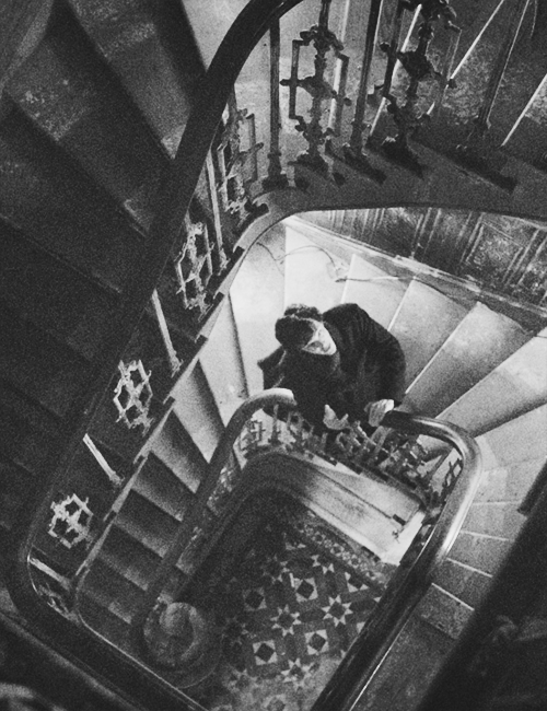 architecture, bbc, benedict cumberbatch, black and white, house, sherlock, sherlock holmes, stairs