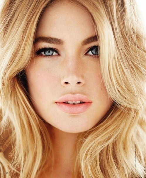 blonde, blue eyes beautiful, pinterest model,   makeup perfect, photo hair, look blue for natural lips, eyes,