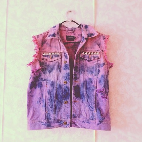 cool, dip dye, dip dye vest and dip dyed