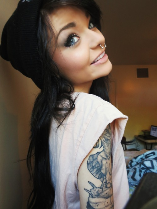 Girl tattoos girl tattoos piercings for Tattoos and piercing